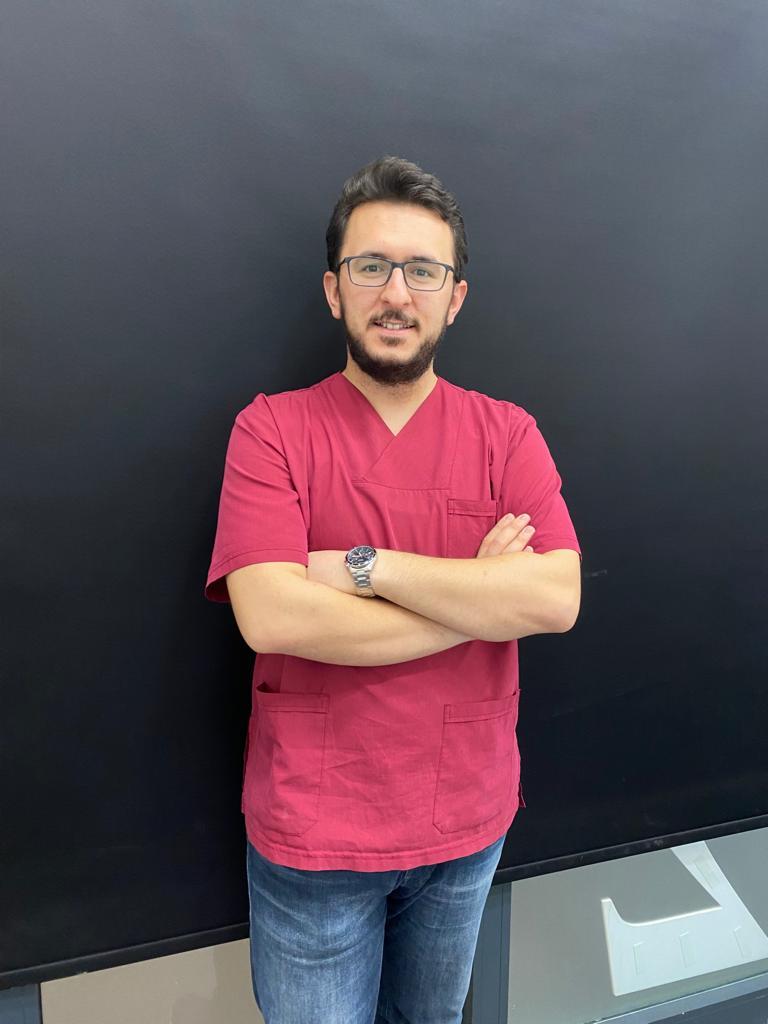 Dt. Alperen Halaç
